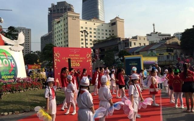 TP HCM: Tưng bừng khai trương lễ hội Đường sách Tết Bính Thân 2016