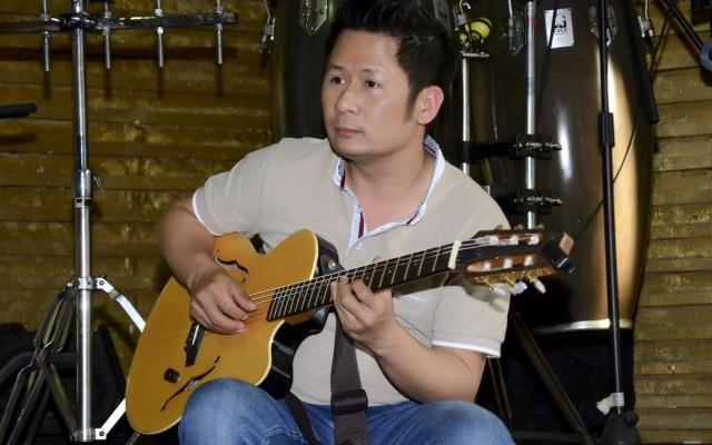 """Bằng Kiều đàn say mê cho Thanh Hà hát trước thềm liveshow """"Đời ca sĩ"""""""