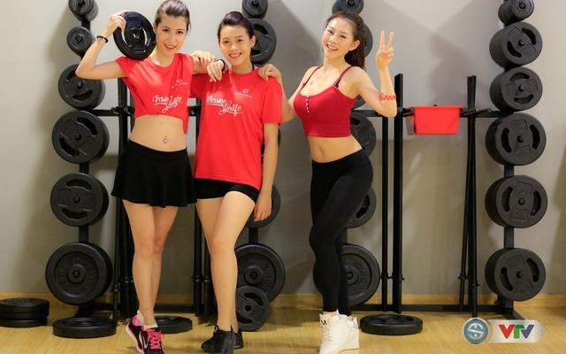 Nóng cùng EURO 2016: Các ứng viên khoe dáng nóng bỏng trong buổi tập nhảy