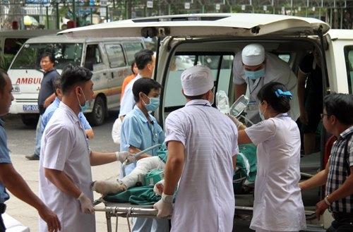 Nam thanh niên tưới xăng thiêu sống vợ cũ ngay tại bệnh viện