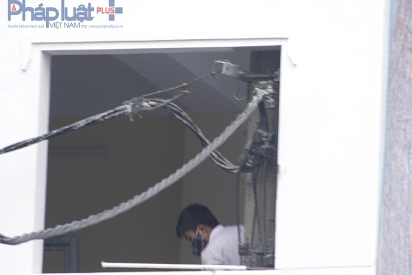 Cột điện mọc xuyên nhà ở Hà Nội: Cơ quan chức năng nói gì?