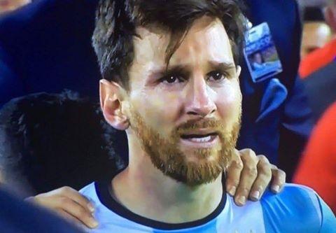 SỐC: Messi tuyên bố chia tay ĐT Argentina sau thất bại ở chung kết Copa America 2016