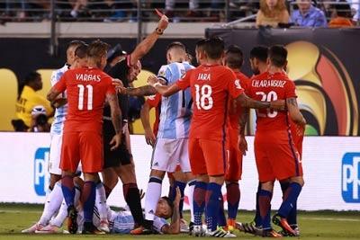Chi tiết Argentina vs Chile: Messi sút hỏng luân lưu, Chile vô địch Copa America 2016