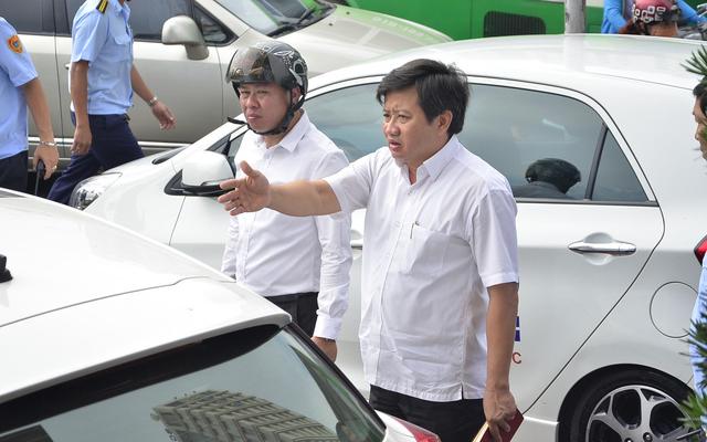 """Bản tin Sài Gòn Plus: Chiến dịch giành lại vỉa hè """"mềm mỏng"""" hơn, người vi phạm vui vẻ chấp hành"""
