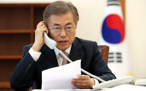 Tân Tổng thống Hàn Quốc điện đàm với lãnh đạo Trung Quốc, Nhật Bản
