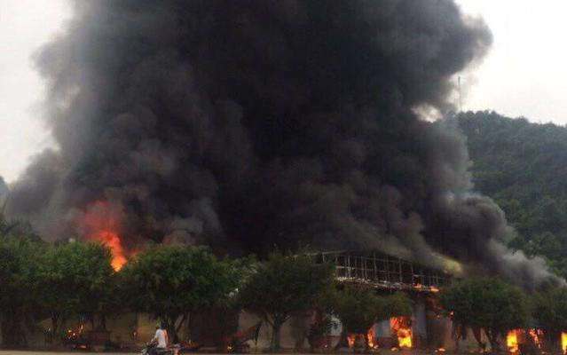 Lạng Sơn: Cháy lớn tại khu vực chợ Hữu Nghị