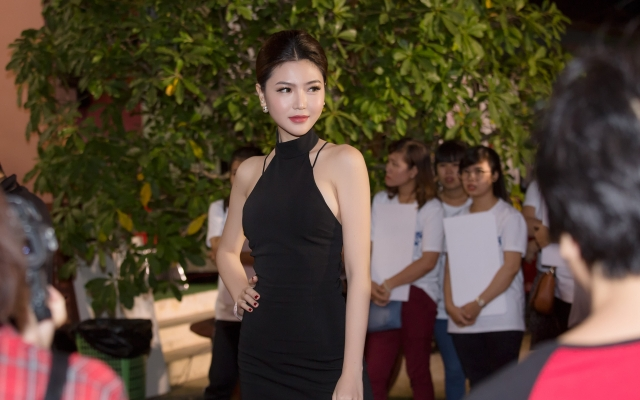 Hoa hậu Ngọc Duyên diện đầm sexy khoe lưng ong nuột nà