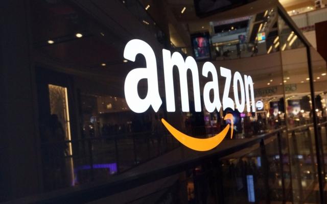 """Slide - Điểm tin thị trường: Amazon chính thức """"bước chân"""" vào thị trường Việt Nam"""