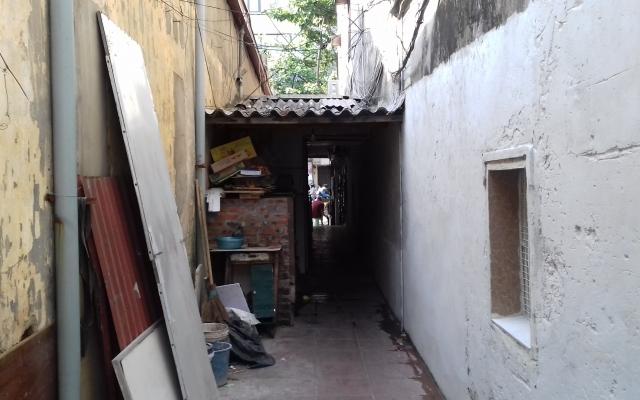 Chính quyền quận Long Biên cần vào cuộc xử lý dứt điểm vụ tranh chấp ngõ đi chung tại phường Ngọc Lâm