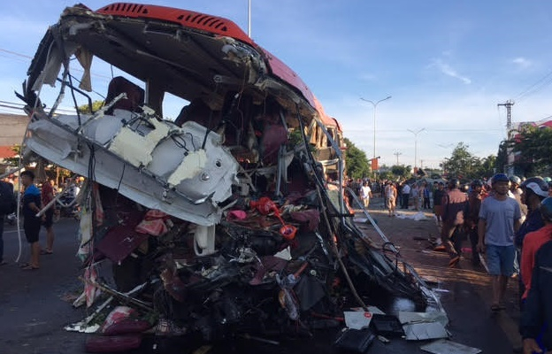 Vụ TNGT khiến 13 người tử vong: Do tài xế ngủ gật