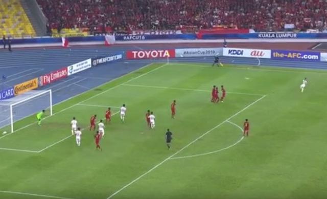 Video: Tuyệt phẩm đá phạt của Khuất Văn Khang vào lưới U16 Indonesia