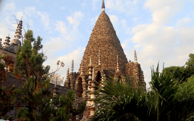 Ngôi chùa làm từ vỏ ốc, san hô độc nhất Việt Nam