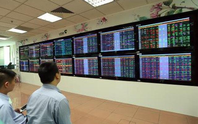 Giao dịch trên Sở Giao dịch chứng khoán TP Hồ Chí Minh (HOSE) đóng cửa ở mức 977,17 điểm