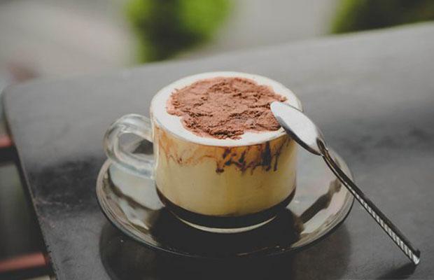 Báo chí quốc tế dành nhiều lời khen ngợi cho cà phê trứng của Hà Nội