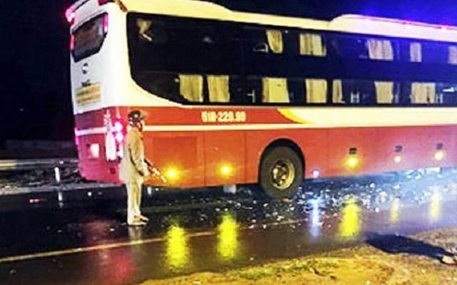 Thiếu tá quân đội tử vong sau va chạm với xe khách