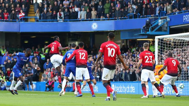 Chelsea 2-2 Man Utd: Ngược dòng những phút bù giờ