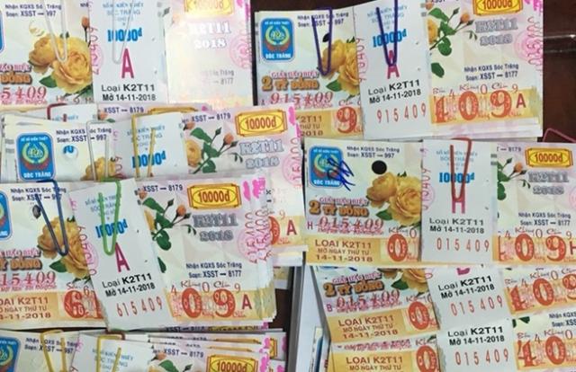 Tây Ninh: Người đàn ông trúng 80 tờ vé số trị giá hơn 19 tỉ đồng