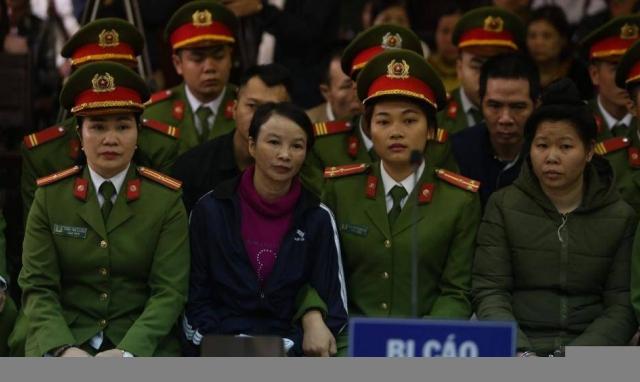 """Mẹ 'nữ sinh giao gà"""" ở Điện Biên đối diện mức án 20 năm tù"""