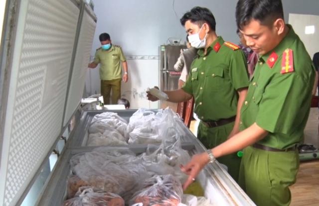An Giang: Phát hiện, thu giữ hơn 3.000 kg chả chay không đủ điều kiện ATTP