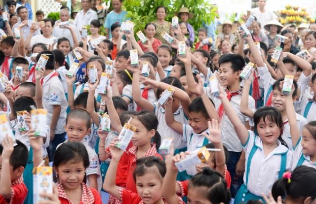 Qũy  sữa vươn cao Việt Nam và Vinamilk chung tay vì trẻ em Thái Nguyên