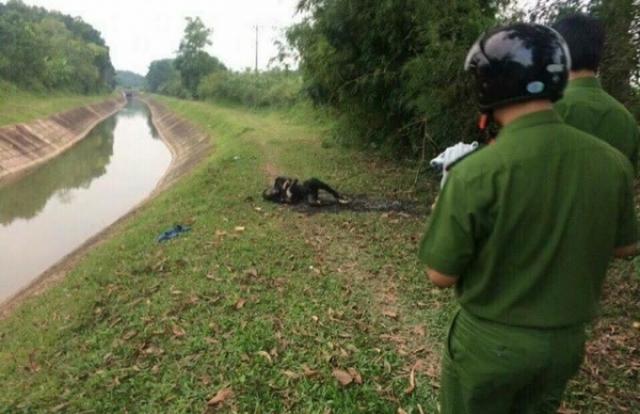 Thái Nguyên: Phát hiện thi thể cháy đen thui bên bờ kênh