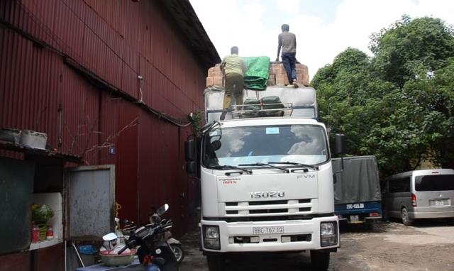 Bắt giữ 50 tấn bánh kẹo... nhập lậu Trung Quốc về Việt Nam tiêu thụ dịp tết Trung Thu