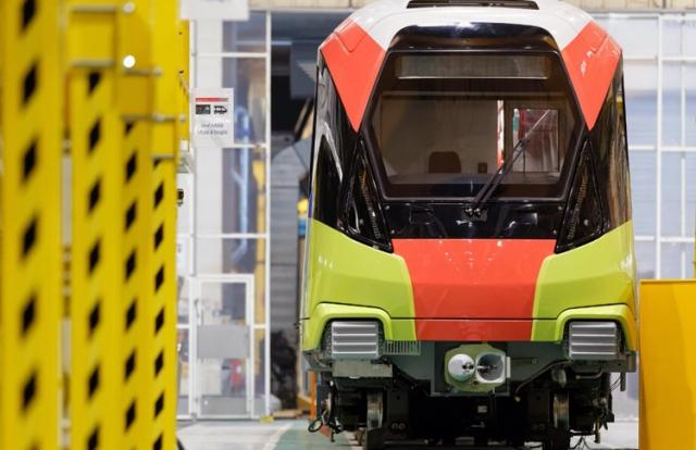 Ra mắt đoàn tàu đầu tiên tuyến metro Nhổn - ga Hà Nội