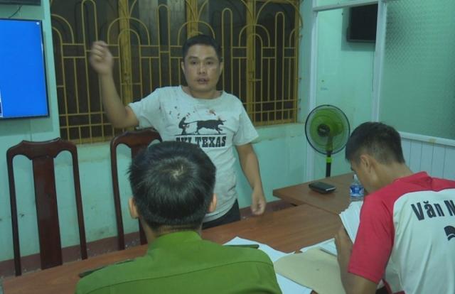 Cán bộ phòng Kinh tế ở Đắk Lắk đâm chết người ở quán karaoke