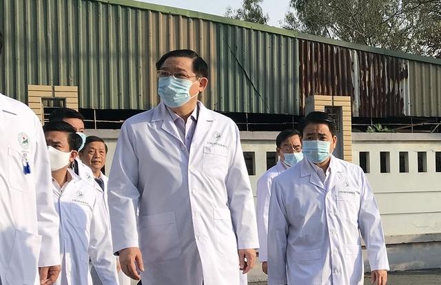 Bí thư Vương Đình Huệ kiểm tra công tác phòng, chống Covid-19 tại bệnh viện