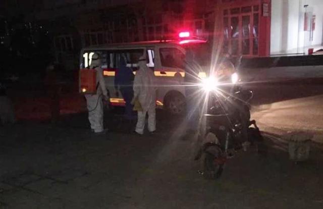 Một toà nhà ở KĐT Thanh Hà tạm thời bị phong toả vì nghi có cư dân nhiễm Covid-19