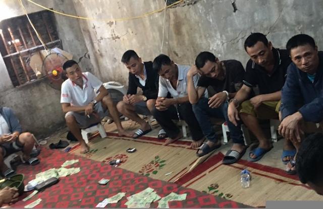 """Hưng Yên: Bắt giữ """"ổ nhóm"""" tổ chức đánh bạc chuyên nghiệp liên tỉnh"""