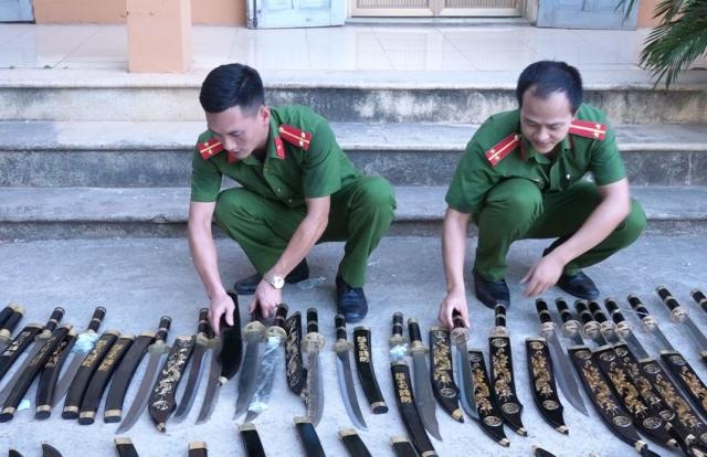 """Thanh Hoá: Phát hiện, thu giữ số lượng lớn vũ khí """"nóng"""" vận chuyển qua đường bưu điện"""