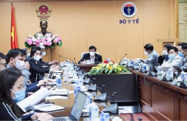 Bộ trưởng Bộ Y tế chỉ đạo thiết lập 3 bệnh viện dã chiến tại Hải Dương phòng chống dịch COVID-19