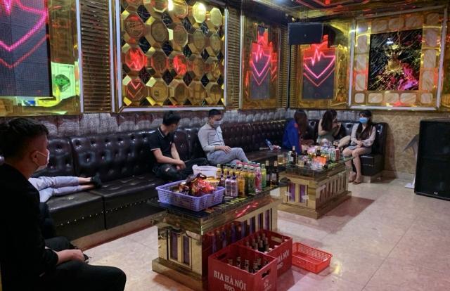 Bắc Giang:Kinh doanh lén lút, chủ quán và khách quán karaoke MILANO bị phạt số tiền 102,5 triệu đồng