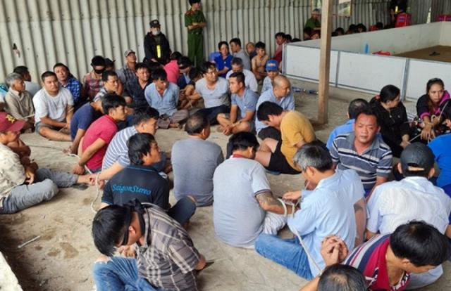 Cần Thơ: Hơn 100 Cảnh sát tấn công sòng bạc tại kho gạo bỏ hoang