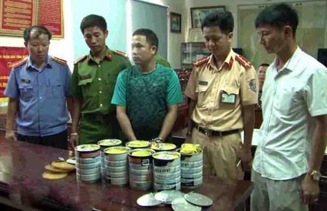 Nghệ An: Hàng chục kg ma túy đá giấu trong hộp sữa