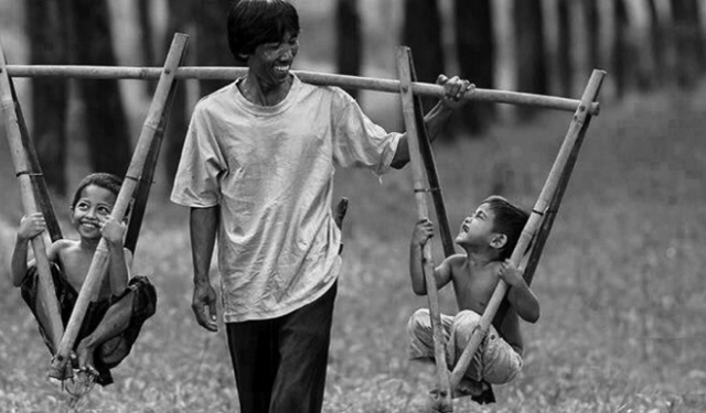 Ba anh em tranh nhau hiến thận thương cha già cả đời lam lũ