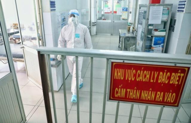 Cách ly toàn bộ Bệnh viện Thận Hà Nội do tiếp xúc ca nhiễm 254