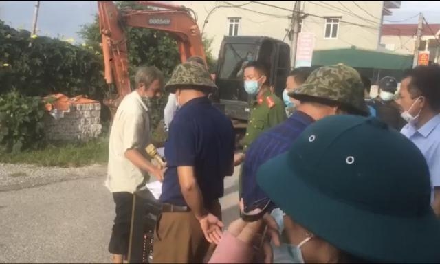 Nam Định: Thi hành cưỡng chế đối với gia đình ông Nguyễn Văn Tình