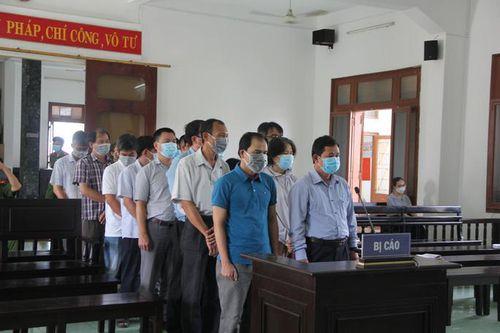 Đang xét xử nhiều cán bộ sở ngành tại Phú Yên liên quan vụ lộ đề thi công chức