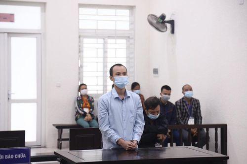 Hai cha con đi tù vì rủ nhau đi hành hung người khác