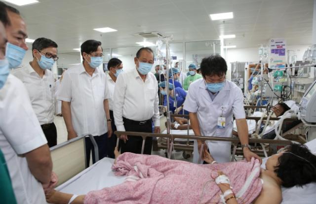 Phó Thủ tướng Trương Hòa Bình đến thăm hỏi, động viên nạn nhân vụ TNGT tại Quảng Bình