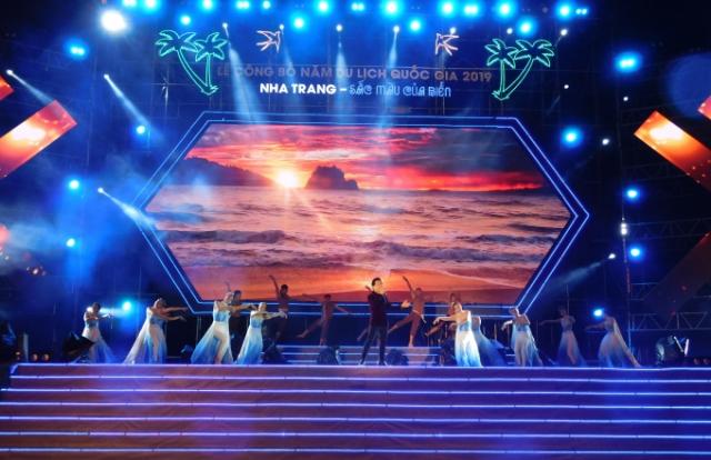 """Lễ công bố Năm Du lịch quốc gia 2019 với chủ đề """"Nha Trang - Sắc màu của Biển"""""""