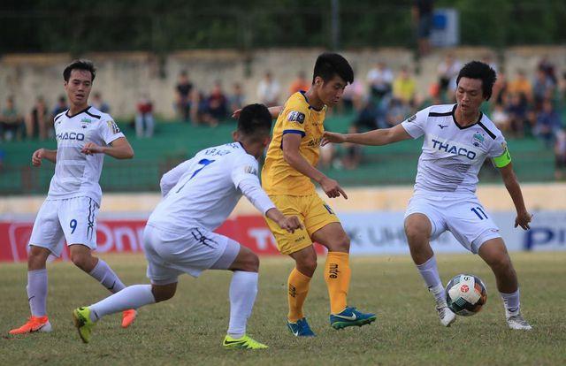 Văn Toàn, Văn Thanh sẽ ra nước ngoài thi đấu?
