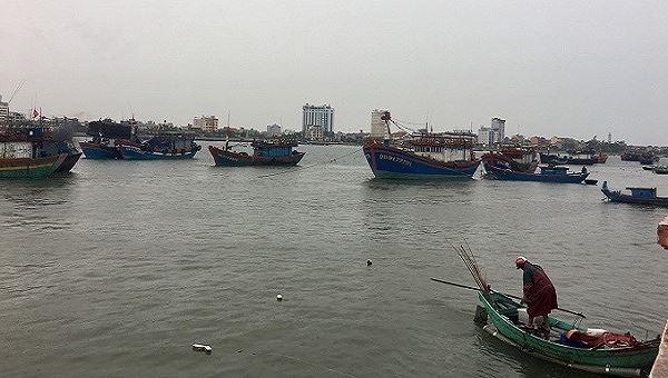 """Quảng Bình """"cấm biển"""" hoàn toàn từ trưa 29/8"""