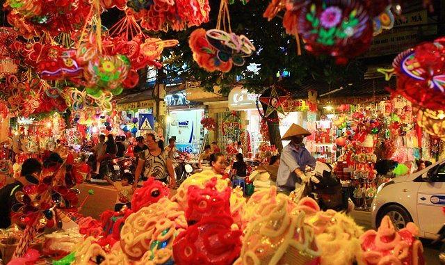 Những tuyến đường bị cấm phục vụ lễ hội Trung thu tại Hà Nội
