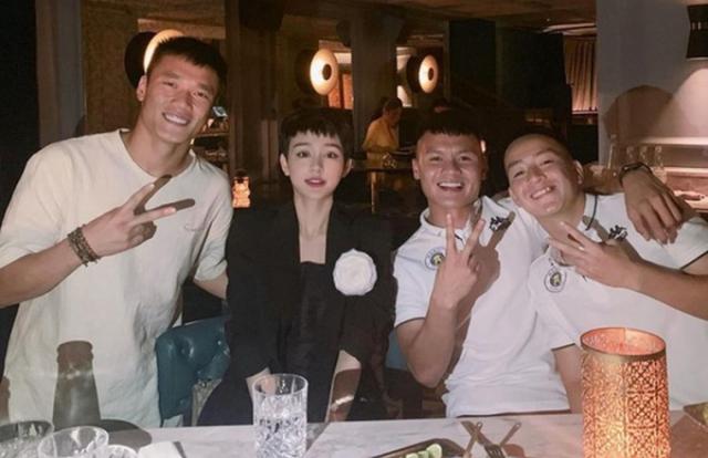 Vướng 'nghi án' hẹn hò cầu thủ Quang Hải, Hiền Hồ 'lên tiếng'