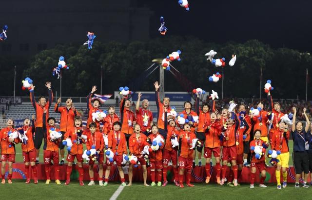 Sun Group tặng gói nghỉ dưỡng trị giá 3 tỷ đồng cho các tuyển thủ đội bóng đá nam, nữ Việt Nam tại SEA Games 30