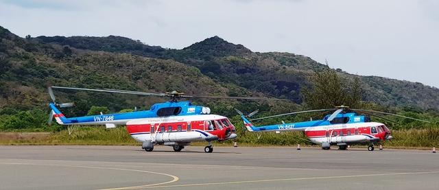 Máy bay chở đề thi tốt nghiệp THPT ra đảo
