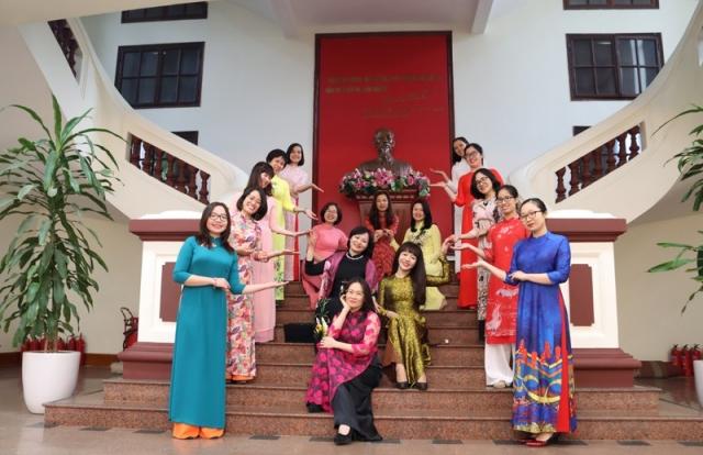 Phụ nữ ngành Tư pháp sôi nổi hưởng ứng Tuần lễ Áo dài 2021